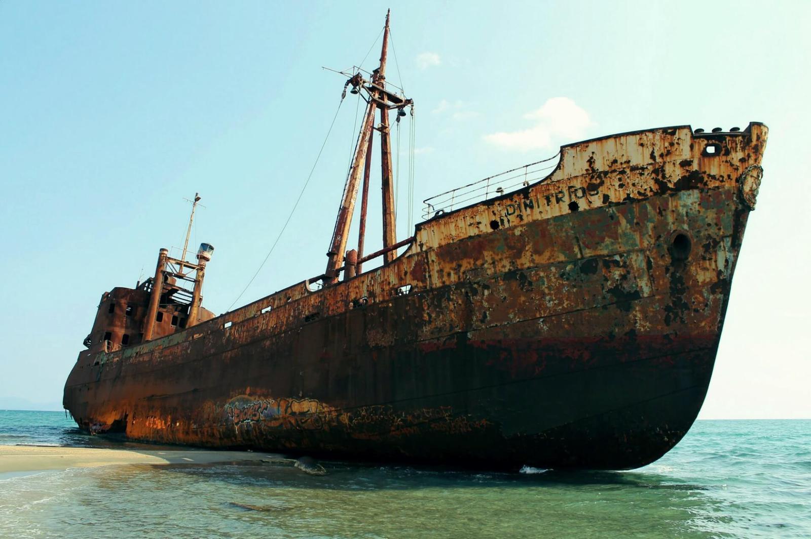 ghost-ship-Gytheio-2