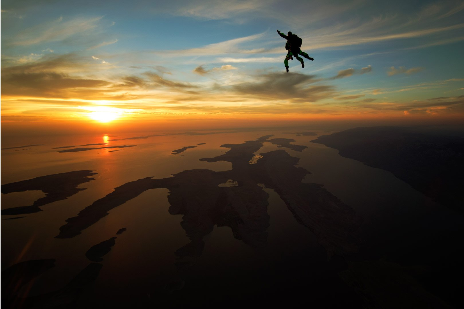 xsunset-skydiving-zadar.jpg.pagespeed.ic.ExdtzzoYpy