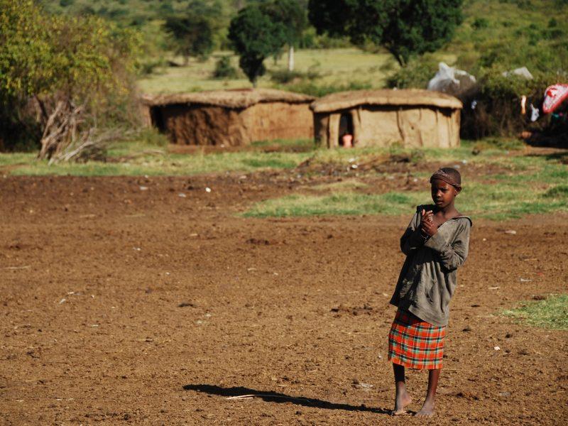 pedi-se-chorio-tis-kenias