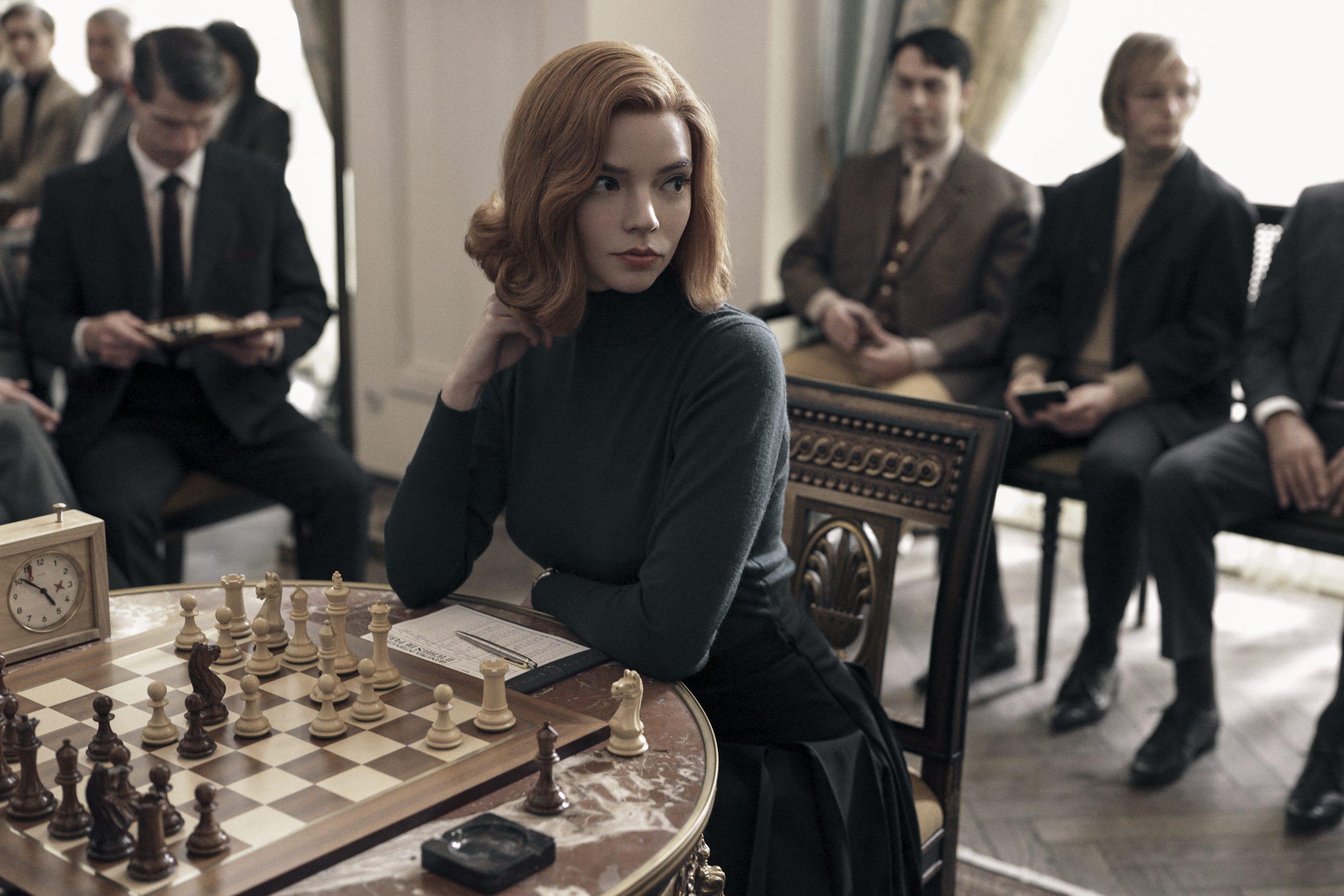i protagonistria apo to queens gambit