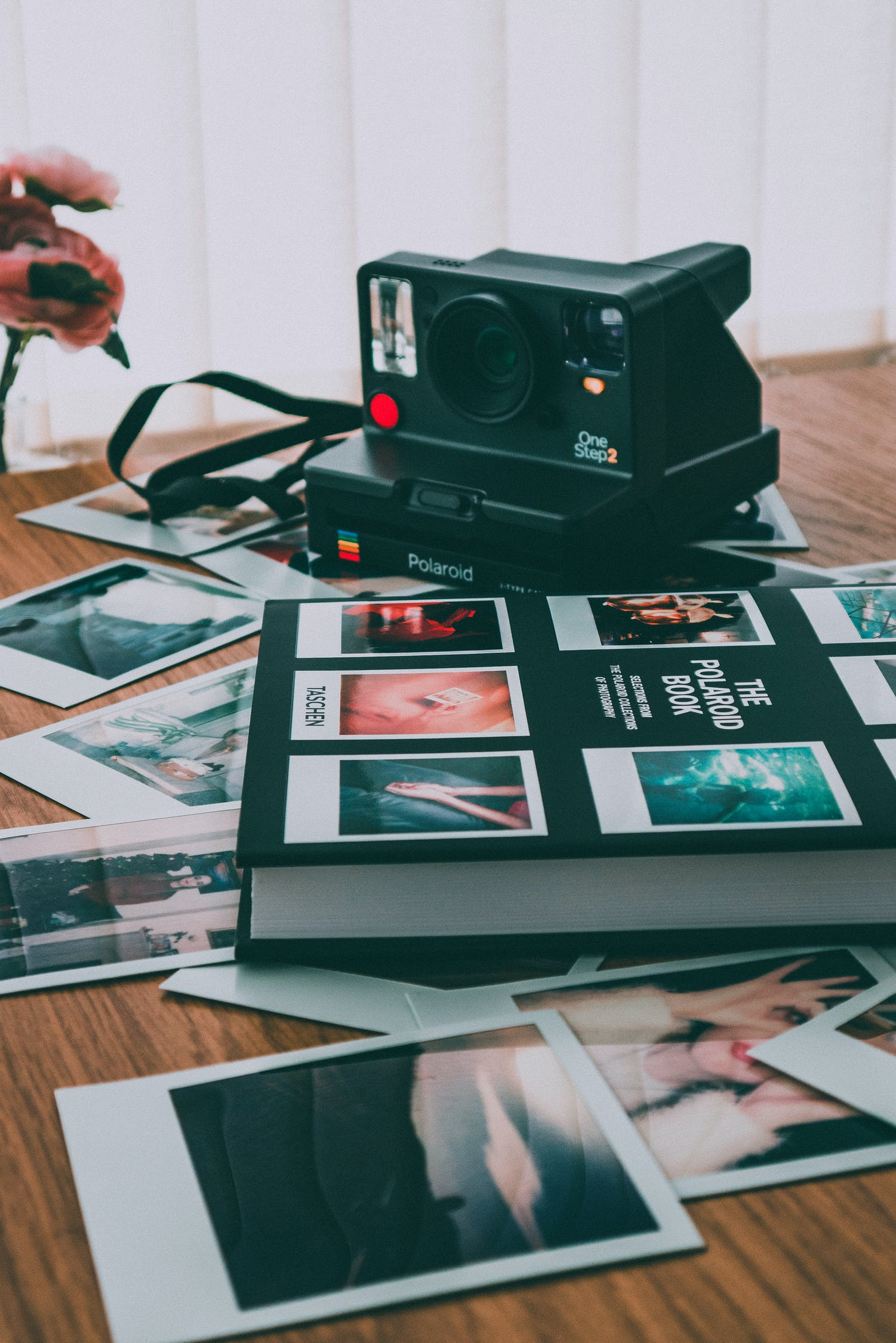 vintage-polaroid-photography