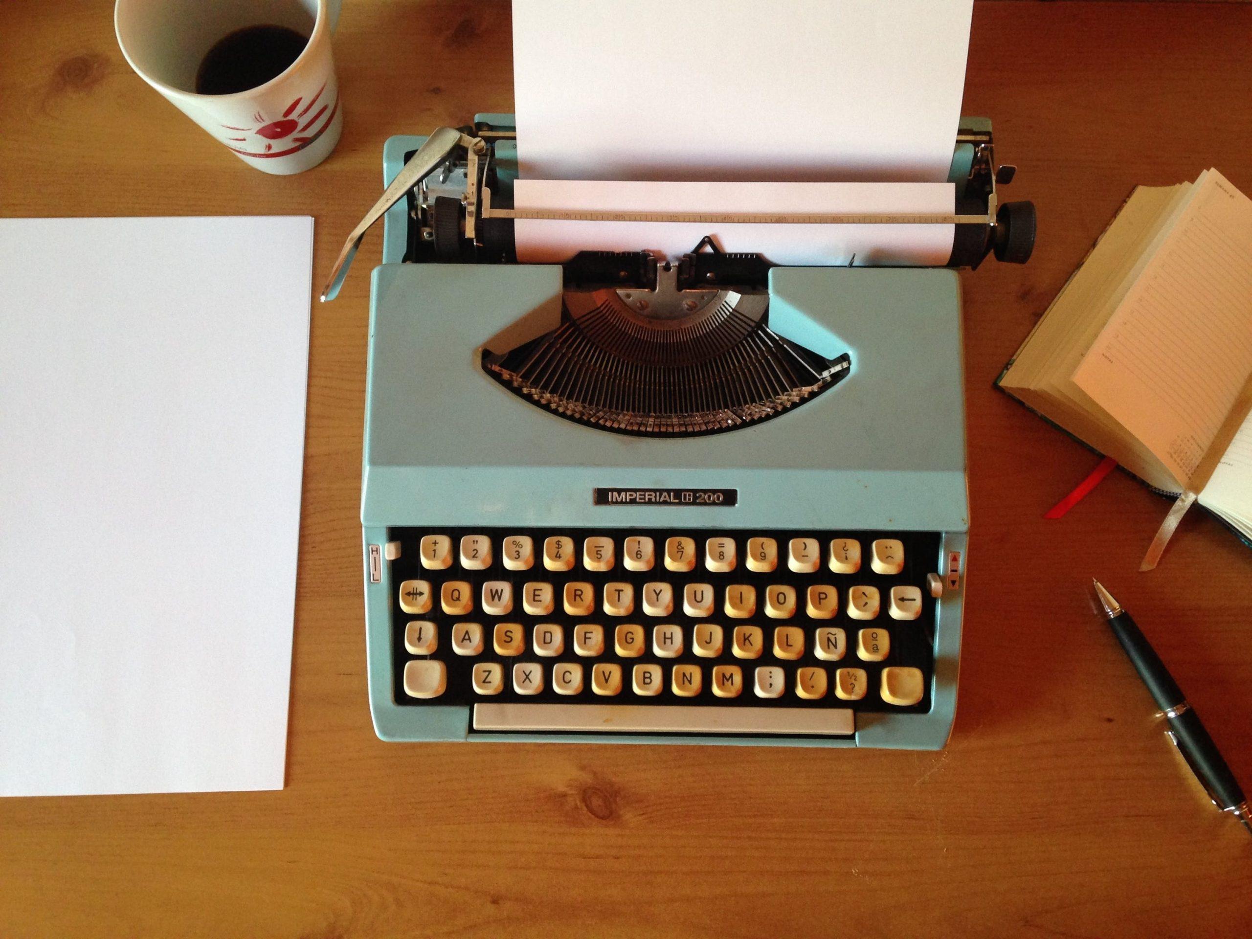pexels-vintage-typerwriter