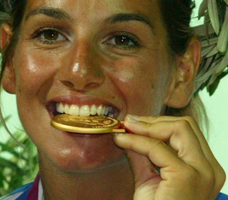 Η Σοφία Μπεκατώρου με μετάλλιο